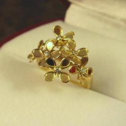 お花の指輪
