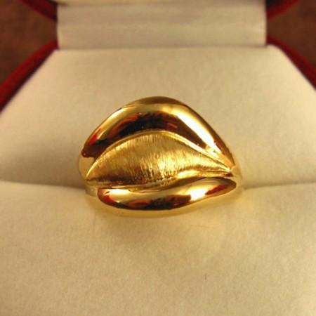 K18イエローゴールドのリング