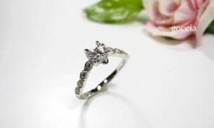 ハートシェイプの婚約指輪